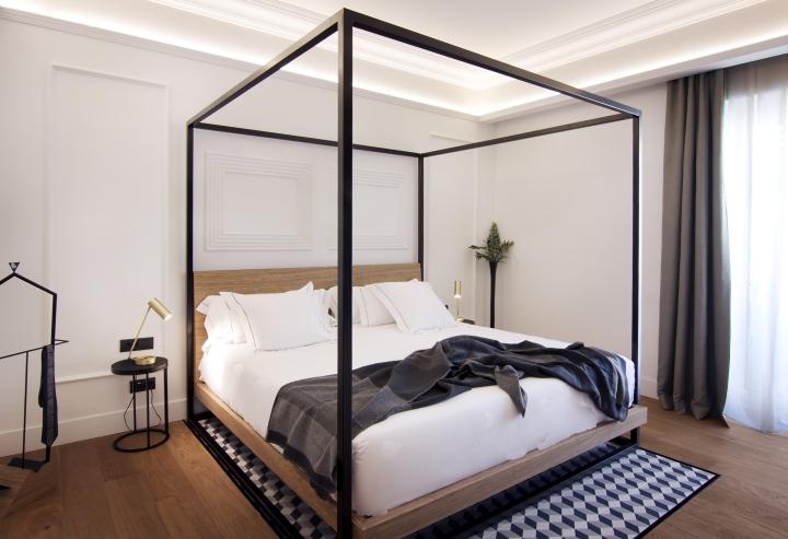 One-Shot-Hotel-Palace-Reina-Victoria